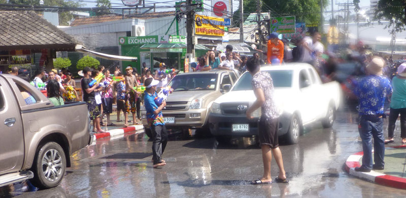 songkran roads